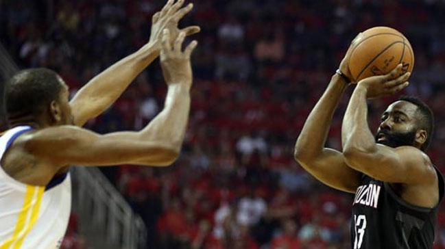 Rockets, Warriors'a fark attı, seriyi eşitledi