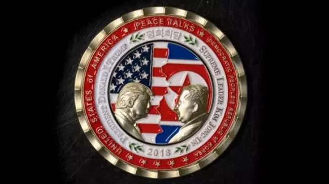 Beyaz+Saray,+Trump-Kim+Joung+zirvesi+i%C3%A7in+%C3%B6zel+madalya+bast%C4%B1