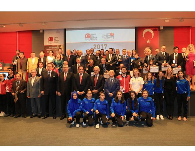 İBB'nin Gençlik Ve Spor Faaliyetleri 2017 Sergisi Halkla Buluştu
