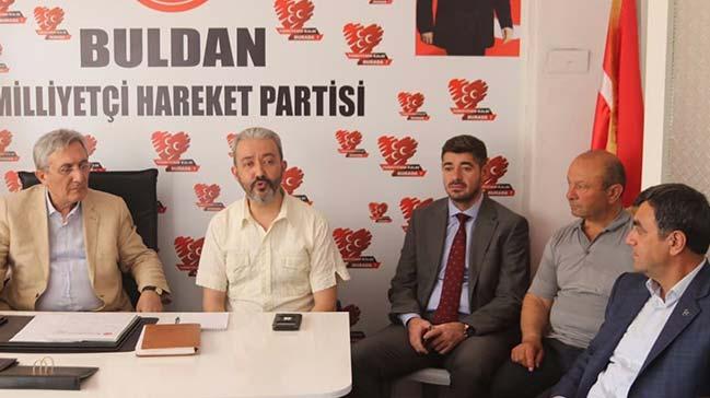 Denizli'nin Buldan ilçesinde yaşayan emekli subay milliyetçiliği İP'te göremeyince istifa etti
