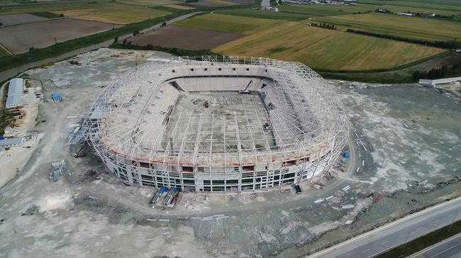 Hatay'a güneşten enerji üreten stadyum