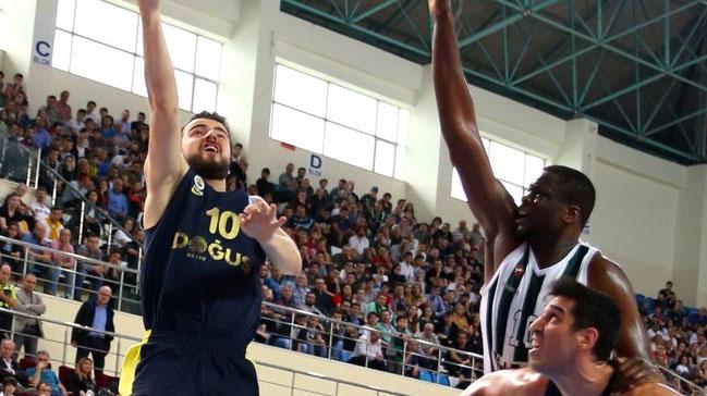 Fenerbahçe Doğuş: 77 Sakarya Büyükşehir Belediyespor: 54! Fenerbahçe yarı finalde