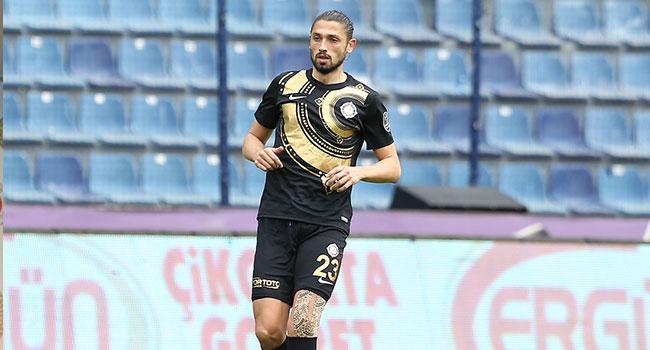 Trabzonspor,+Mehmet+Batdal%E2%80%99%C4%B1+kadrosuna+kat%C4%B1yor