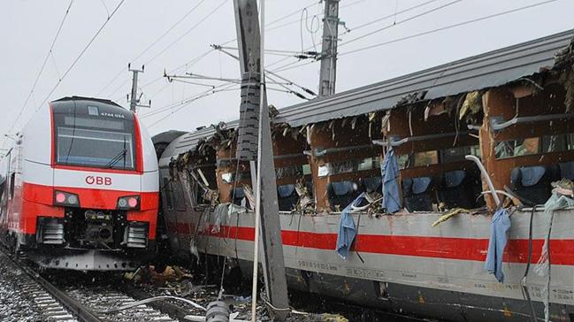 Polonya da tren kazası 1 ölü 22 yaralı