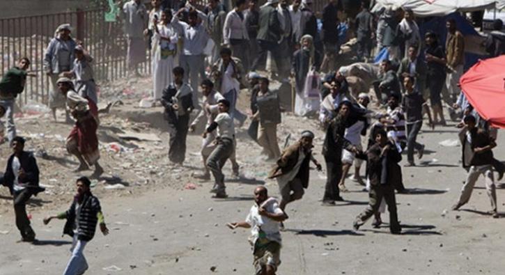 Yemen'in Hudeyde kentindeki çatışmalarda biri komutan 11 kişi öldü