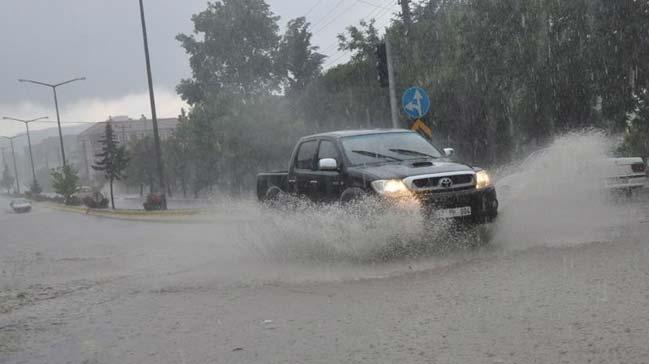Meteoroloji'den iki il için kuvvetli yağış uyarısı