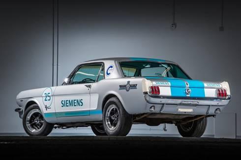 Siemens,+1965+Ford+Mustang%E2%80%99%C4%B1+S%C3%BCr%C3%BCc%C3%BCs%C3%BCz+Bir+Yar%C4%B1%C5%9F+Arabas%C4%B1na+D%C3%B6n%C3%BC%C5%9Ft%C3%BCrd%C3%BC