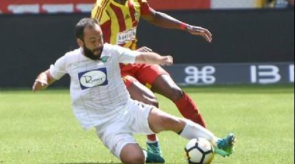 Tecrübeli oyuncu Olcan Adın'a Süper Lig ekibi Bursaspor resmi olarak teklifini yaptı