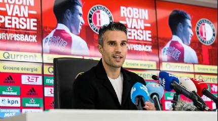 Robin Van Persie, bu akşam oynanacak olan Fenerbahçe - Feyenoord maçı ile ilgili konuştu