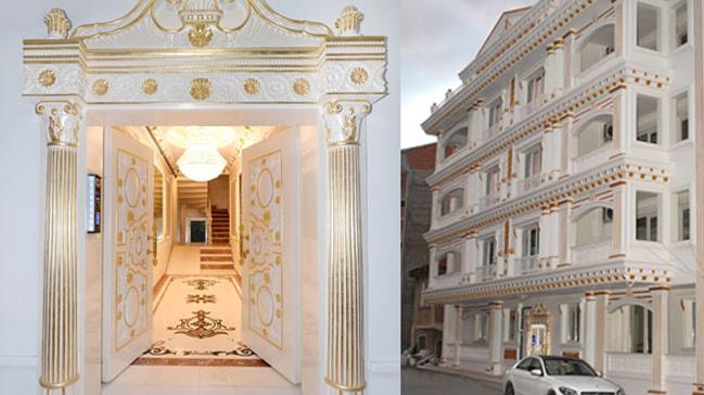 Malatya'da altın kaplamalı apartman görenleri hayrete düşürüyor