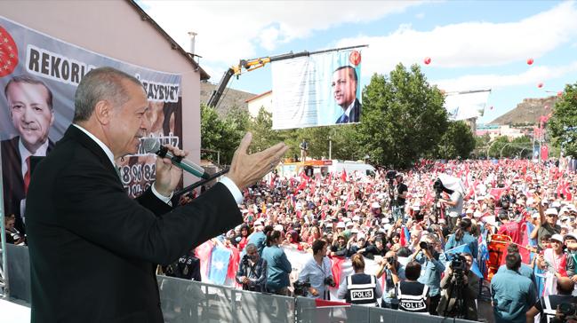 Başkan Erdoğan: Yastık altında doları, altını olan bozdursun