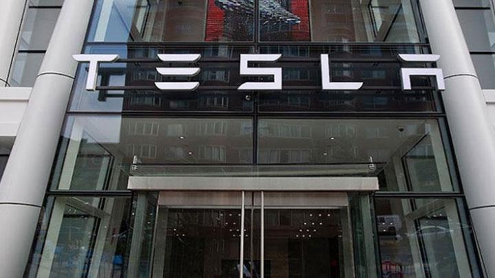 Tesla+Y%C3%B6netim+Kurulu,+%C5%9Firketin+borsadan+%C3%A7ekilme+teklifi+i%C3%A7in+%C3%B6zel+bir+komisyon+kurdu