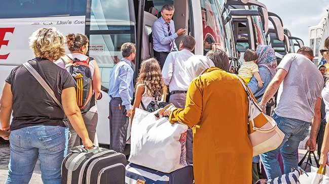Turizmde bayram coşkusu:Uçak ve otellerde yer yok