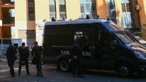 Lig partisi binası önünde bomba patladı