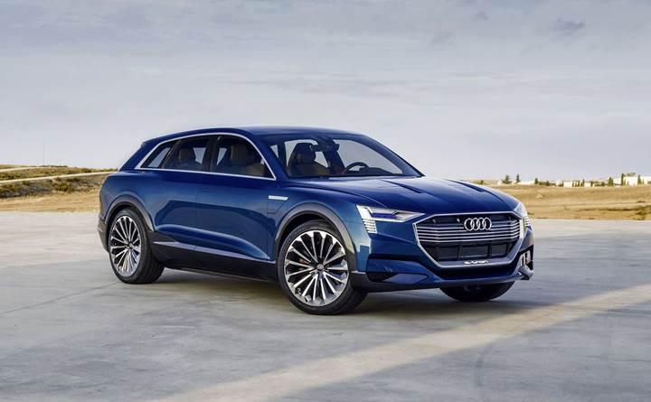 Audi, markanın ilk tam elektrikli seri üretim modeli olan e-tron'u tanıttı.