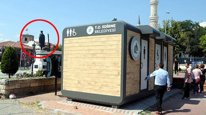 Edirne Belediyesi'nin kent merkezindeki Atatürk Anıtı'nın hemen arkasına koyduğu, tartışma yaratan seyyar tuvalet, Kültür Varlıklarını Koruma Bölge Kurulu kararı ile kaldırıldı.