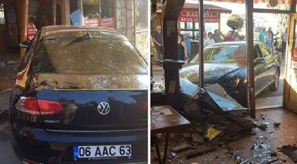 Kocaeli'nde alkollü sürücü balık lokantasına çarptı