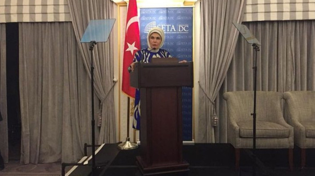 Emine Erdoğan'dan ABD'de insani yardım vurgusu