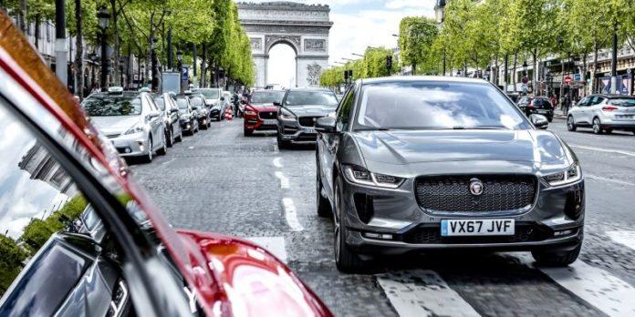 Jaguar Land Rover Paris'e çıkarma yapacak!