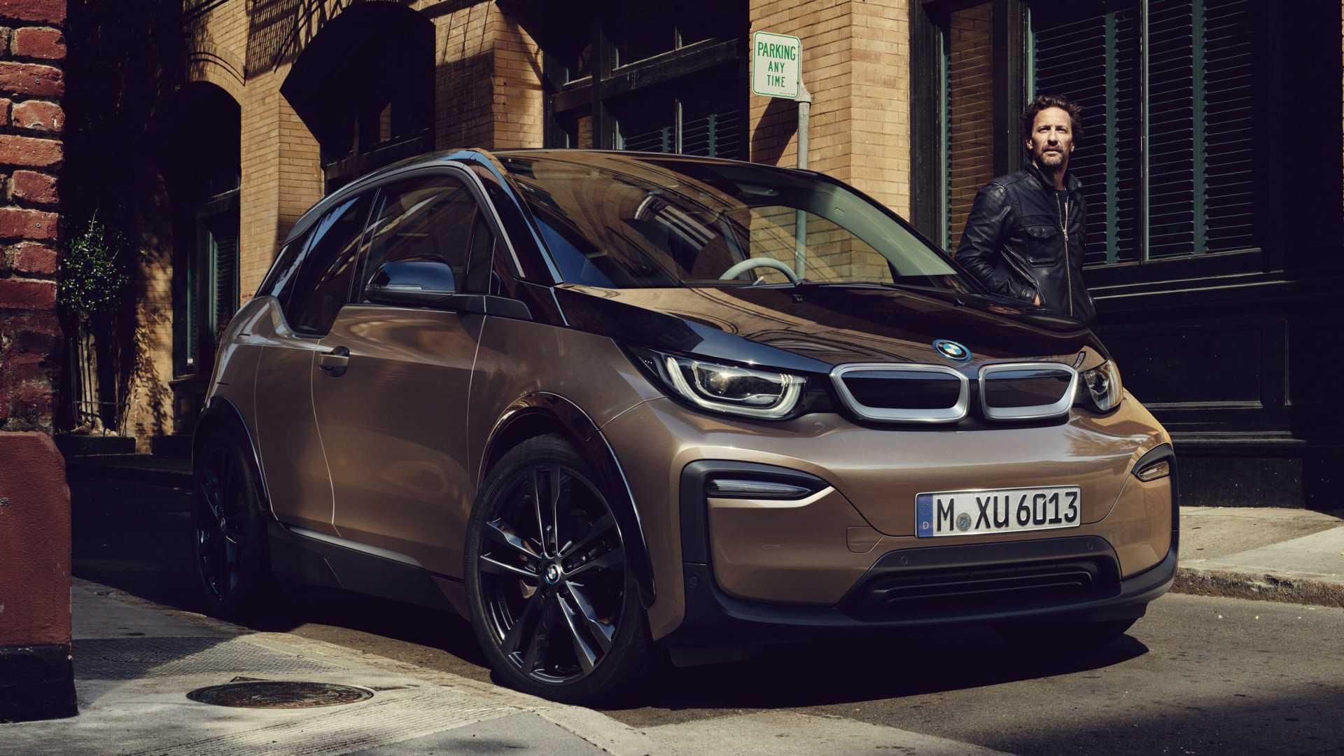 2019+BMW+i3,+y%C3%BCzde+30+daha+b%C3%BCy%C3%BCk+bir+batarya+ile+geliyor