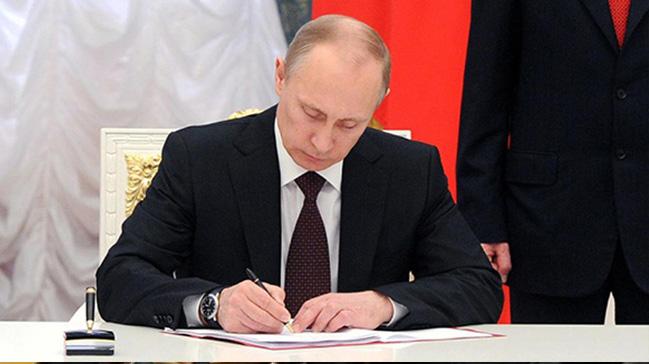Putin,+Hindistan%E2%80%99a+ziyareti+s%C4%B1ras%C4%B1nda+5+milyar+dolarl%C4%B1k+S-400+anla%C5%9Fmas%C4%B1na+imza+atacak