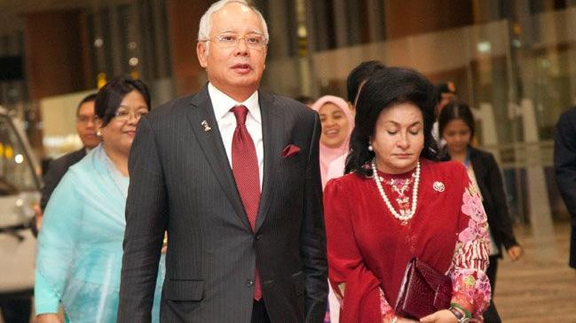 Malezya%E2%80%99da+eski+Ba%C5%9Fbakan+Necip+Rezak%E2%80%99%C4%B1n+e%C5%9Fi+Rosmah+Mansor+tutukland%C4%B1
