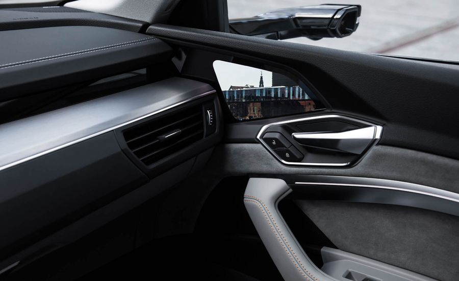 Audi+E-Tron%E2%80%99un+OLED+yan+aynalar%C4%B1n%C4%B1+Samsung+%C3%BCretecek