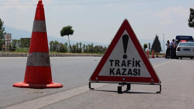 Antalya%E2%80%99da+trafik+kazas%C4%B1:+4+%C3%B6l%C3%BC
