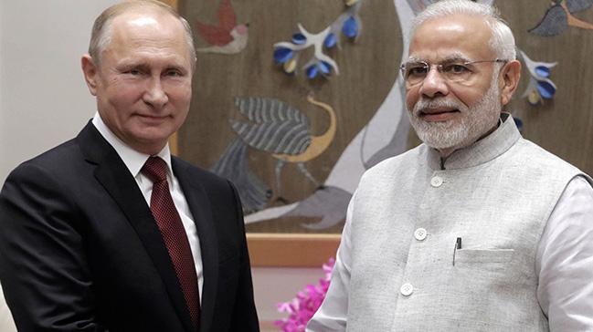 Hindistan,+Rusya%E2%80%99yla+S-400+hava+savunma+sistemi+i%C3%A7in+anla%C5%9Fma+imzalayacak