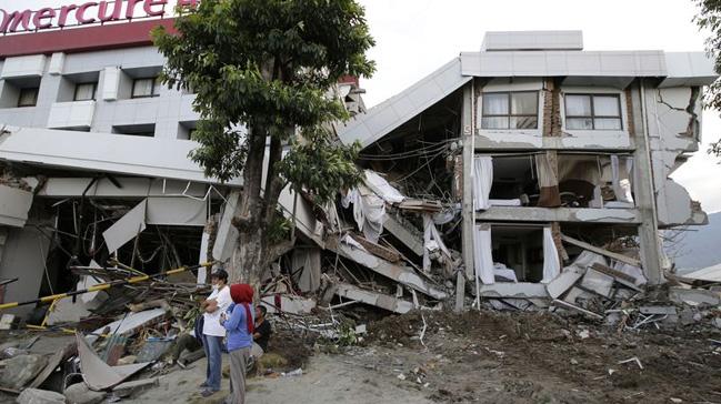 Endonezya%E2%80%99daki+deprem+ve+tsunamide+%C3%B6l%C3%BC+say%C4%B1s%C4%B1+1558%E2%80%99e+%C3%A7%C4%B1kt%C4%B1