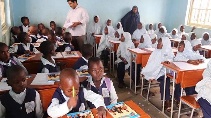Nijerya%E2%80%99daki+T%C3%BCrk+okulu+e%C4%9Fitime+ba%C5%9Flad%C4%B1