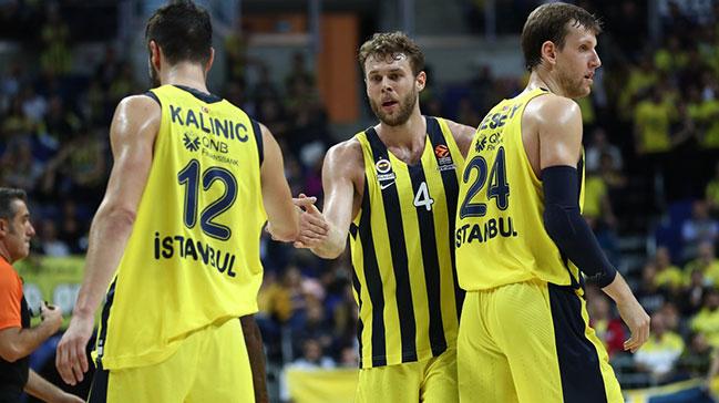Fenerbahçe'ye yan bakılmıyor! 2'de 2
