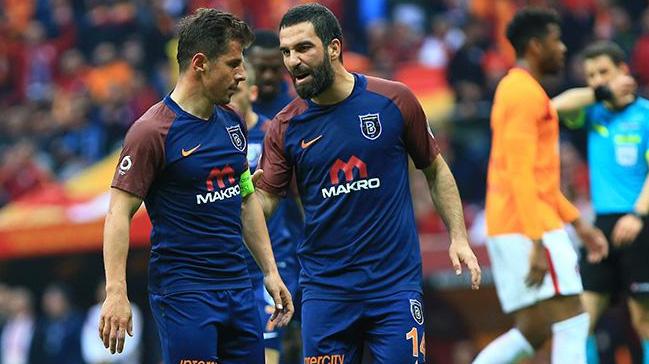 Ünlü futbolcular hakkında FETÖ'den soruşturma başlatıldı