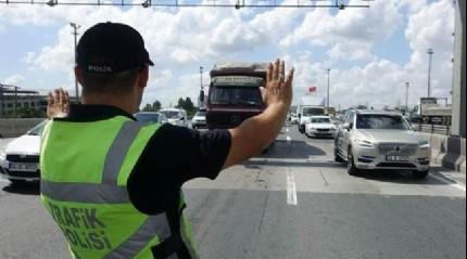 İstanbul'da dev operasyon! Şüpheli tüm araçlar durduruldu