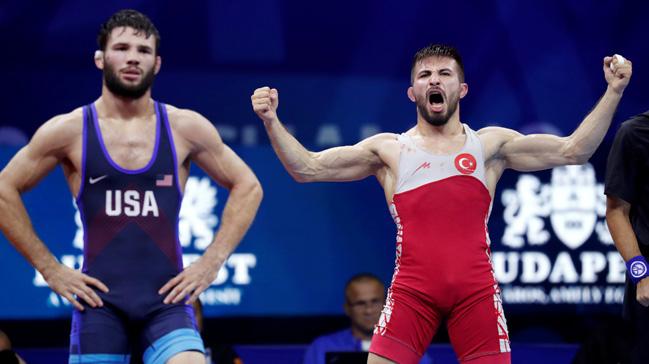 Dünya Güreş Şampiyonası'nda Süleyman Atlı, bronz madalyanın sahibi oldu