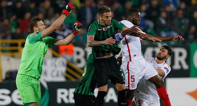 Akhisarspor, Sevilla'ya evinde 3-2 mağlup oldu