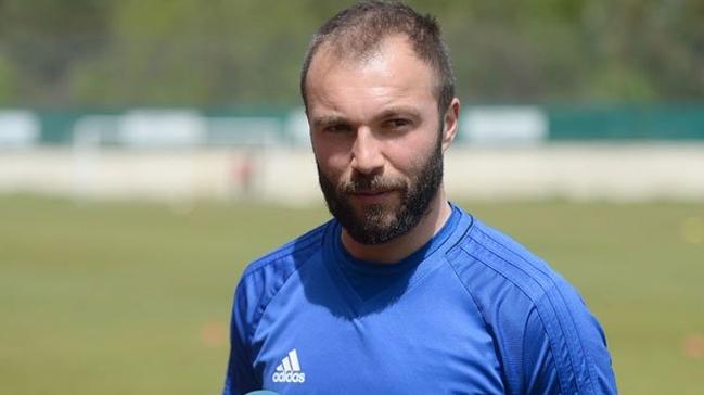 'Şampiyon' Murat Akın futbolu bıraktı