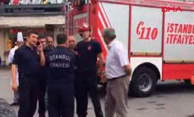 Fatih'te yangında mahsur kalan 2 çocuğu itfaiye kurtardı