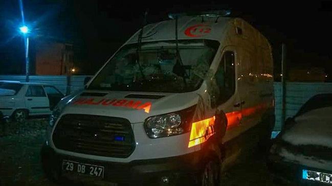Gümüşhane'de ambulans devrildi