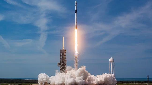 SpaceX,+64+k%C3%BC%C3%A7%C3%BCk+uydunun+f%C4%B1rlat%C4%B1lmas%C4%B1n%C4%B1+erteledi+++