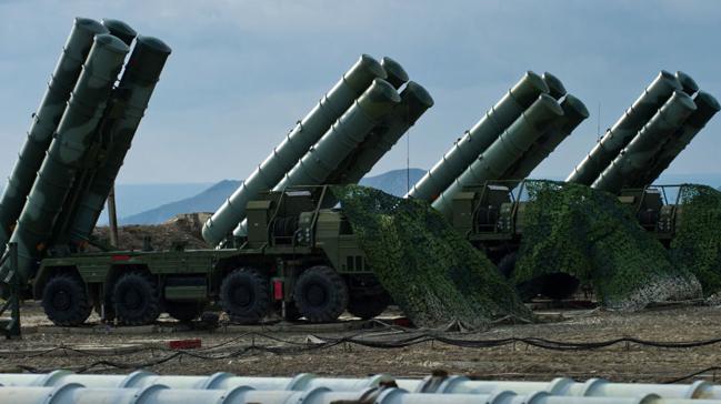 S-400 bataryası Kırım'ın Ukrayna sınırında nöbete başladı