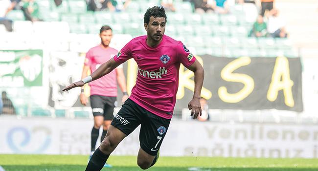 Trezeguet, Mustafa Denizli'ye tavır aldı! Yedek kulübesi yerine tribünde oturmayı tercih etti