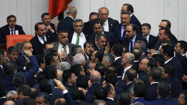 AK Partili Muş, İP'li Öztürk'e dava açacak