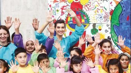 Suriyeli çocuklarla mutluluk