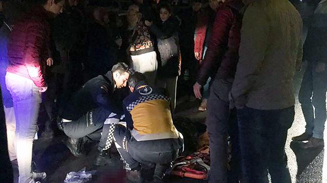 Ankara'da yolun karşısına geçerken otomobilin çarptığı yaşlı kadın yaralandı