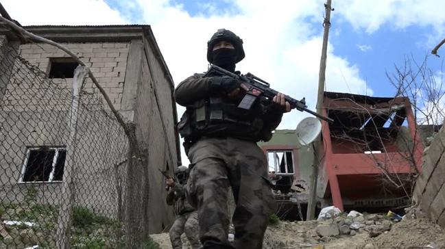 Muş'taki terör operasyonlarında terör örgütü PKK'ya ağır darbe vuruldu