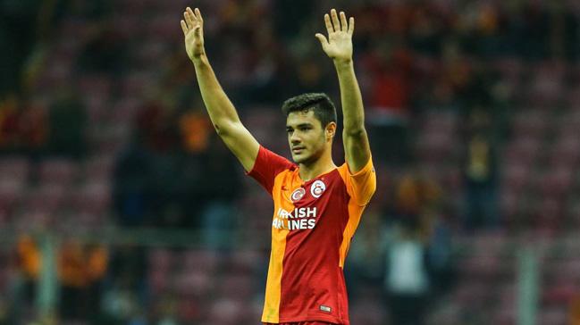 Galatasaray Ozan Kabak'ın sözleşmesini 2023 yılına kadar uzattı