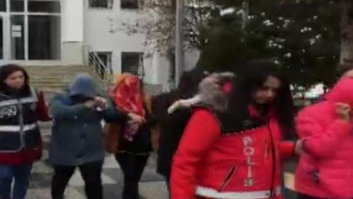 Ankara polisince yürütülen fuhuş operasyonlarında yakalanan 10 kişi tutuklandı
