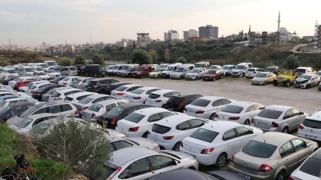 Mersin'de binlerce araç, sahipleri tarafından alınmayınca çürümeye terk edildi