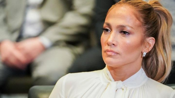 Jennifer+Lopez%E2%80%99den+iki+T%C3%BCrk+isme+takip